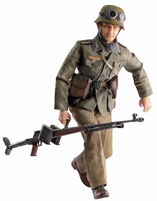 Dragon Model Figures 1:6/1:9 Rudolf Kierst Anti Tank Gunner -- Plastic Model Military Figure -- 1/6 Scale -- #70820
