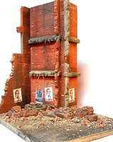 DioramasPlus 1/35 Stalingrad Shakedown Ruined Walls, Rebar, Rubble w/Base (8x10)