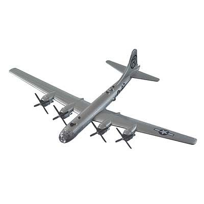 Daron Worldwide Trading Inc. 1/200 B29 Superfortress Enola Gay Aircraft
