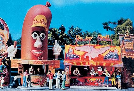 Faller Gmbh Hot Dog Man & Power Ball Booths Kit -- HO Scale Model Accessory -- #140464