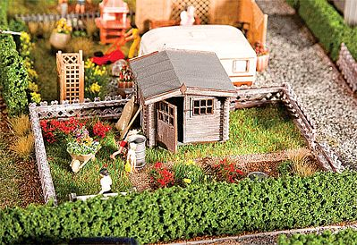 Garden with Small Garden House Kit HO Scale Model Railroad