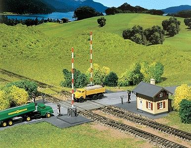 Faller Gmbh Operating Level Grade Crossing Kit -- N Scale Model Railroad Accessory -- #222169