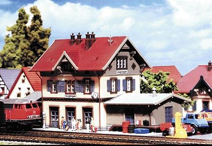 Faller Gmbh Guglingen Station with Shed -- Z Scale Model Railroad Building -- #282707