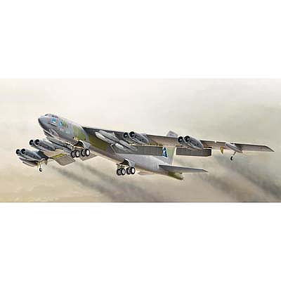 Italeri B-52G Stratofortress -- Plastic Model Airplane Kit -- 1/72 Scale -- #1378s