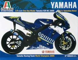 Italeri Yamaha YZR M1 2005 Rossi Go Plastic Model Motorcycle Kit 1/9 Scale #40634