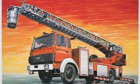 Italeri Fire Ladder Truck IVECO-Magirus Plastic Model Military Vehicle Kit 1/24 Scale #553784