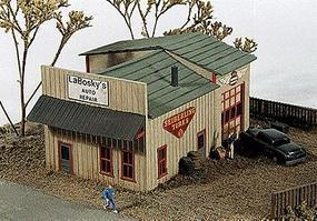 JL LaBoskys Auto Repair Kit Model Railroad Building N Scale #140