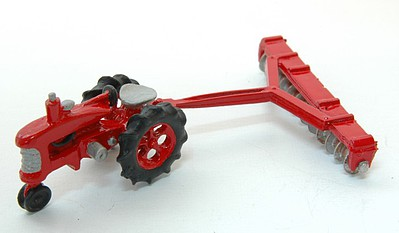 JL Innovative Design HO Tractor w/12 Bottom Disc Harrow