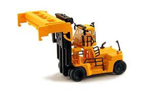 Kato Mobile Container Lift (Handler) - Assembled - Yellow N Scale Model Railroad Vehicle #31630