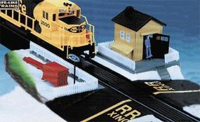 Life-Like Switchman w/Lighted Building Assembled Model Railroad Trackside Accessory HO Scale #8310
