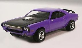 Lindberg 1972 Dodge Challenger Plastic Model Car Kit 1/25 Scale #73069