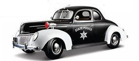 Maisto 1939 Ford Deluxe State Police Car (Black) Diecast Model Car 1/18 scale #31366blk