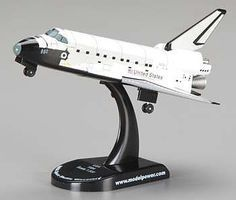 Model-Power NASA Space Shuttle Discovery Diecast Space Shuttle Program 1/300 scale #5823-2