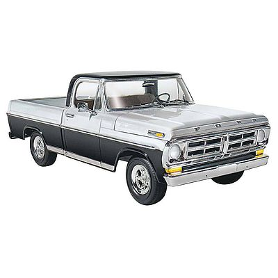 Moebius Models 1972 Ford Sport Custom Pick-Up -- Plastic Model Truck Kit -- 1/25 Scale -- #1220
