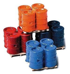 Model Railstuff Banded 55-Gallon Drums on Pallets -- Model Railroad Building Accessory -- HO Scale -- #560