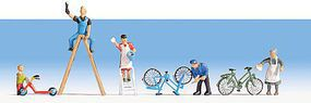 Noch Spring Clean with Accessories HO Scale Model Railroad Figure #15567