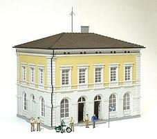 Preiser Police Station with Police & Accessories Model Railroad Figures HO Scale #19000