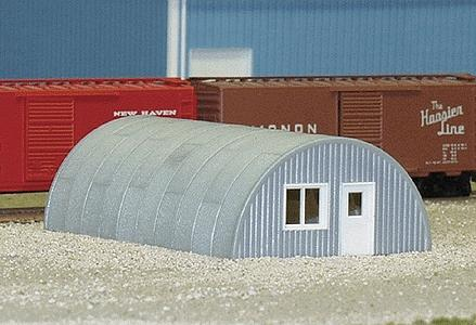 Rix Products Quonset Hut (1-13/16'' X 2-7/8'' X 1/8'') -- Model Railroad Building -- N Scale -- #710