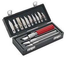 Revell-Monogram Standard Knife Set