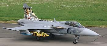 Revell of Germany Saab JAS-369C Gripen -- Plastic Model Airplane Kit -- 1/72 Scale -- #04999