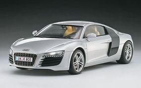 Revell-Germany Audi R8 Plastic Model Car Kit 1/24 Scale #07398