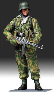 German WWII Infantryman Soldier -- Plastic Model Military Figure Kit -- 1/16 Scale -- #36304