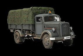 Unimax German 3 Ton Cargo Truck Eastern Front 1941 Diecast Military Model Vehicle 1/32 #80038
