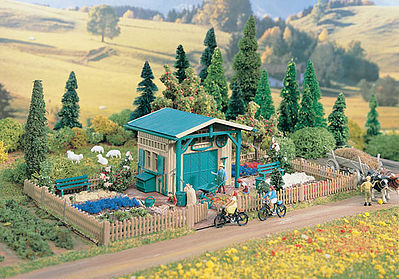 Summer Garden House Kit HO Scale Model Railroad Building 43643 by
