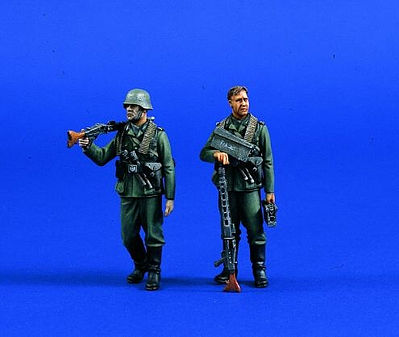 Verlinden Productions German Machine Gunners -- Resin Model Military Figure Kit -- 1/35 Scale -- #0687