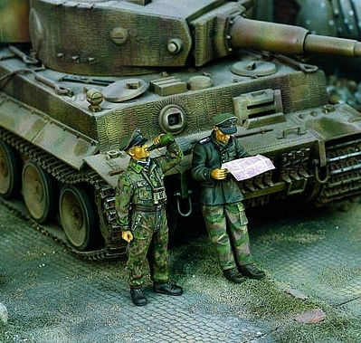 Verlinden Productions Tiger Tank Crewmen -- Resin Model Military Figure Kit -- 1/35 Scale -- #1007
