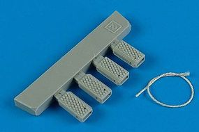 Wheeliant Universal Navy Early Wheel Chocks Plastic Model Aircraft Accessory 1/48 #148002