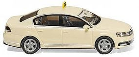 Wiking Volkswagen Passat B7 Assembled Taxi Ivory HO Scale Model Railroad Vehicle #14921