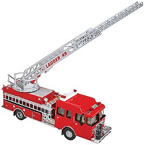 Walthers Accessories Heavy-Duty Ladder Truck - HO-Scale