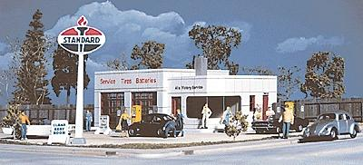 Walthers Al's Victory Service Station - Kit - 4 x 6 x 2-1/16'' -- HO Scale Model Railroad Building -- #3072