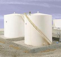 Walthers Tall Oil Storage Tank w/Berm - Kit HO Scale Model Railroad Building #3168