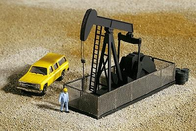 Walthers Walking Beam/Horse Head Oil Pump - Kit -- N Scale Model Railroad Building -- #3248