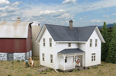 Walthers Lancaster Farmhouse - Lasercut - Kit -- HO Scale Model Railroad Building -- #3333