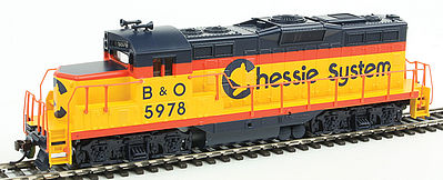 Walthers Trainline EMD GP9M Standard DC Chessie System #5978 -- HO Scale Model Train Diesel Locomotive -- #452