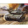 Leopard II W/MTR -- Motorized Plastic Model Vehicle Kit -- 1/48 Scale -- #1304