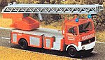 MB Fire Truck w/Ladder and wqorking Lights -- HO Scale Model Railroad Vehicle -- #5608