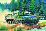 German Leopard 2 A4 Tank -- Plastic Model Military Vehicle Kit -- 1/35 Scale -- #82401
