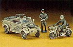 Kubelwagen w/BMW R75 Side Car -- Plastic Model Military Staff Car Kit -- 1/72 Scale -- #31112