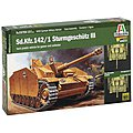 Sd.Kfz.142 Sturmgeschutz III Tank -- Plastic Model Military Vehicle Kit -- 1/56 Scale -- #15756