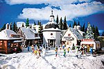 Christmas Village Kit -- HO Scale Model Railroad Building -- #42413