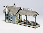 Scenic Details Flag Depot Kit -- HO Scale Model Railroad Building -- #d239