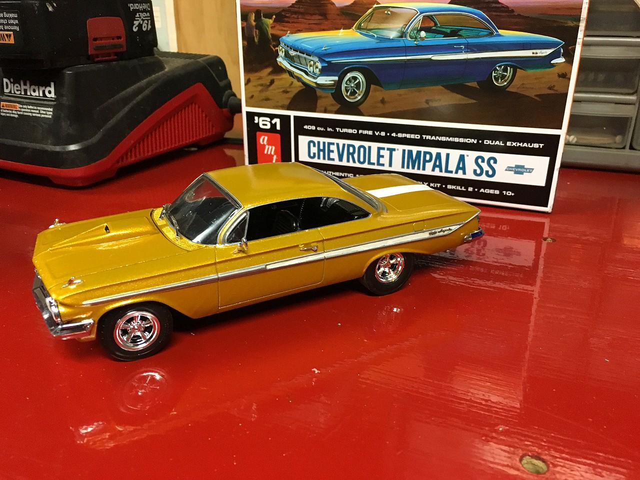Amt 1961 Chevy Impala Ss Plastic Model Car Kit 1 25 Scale 1013 12