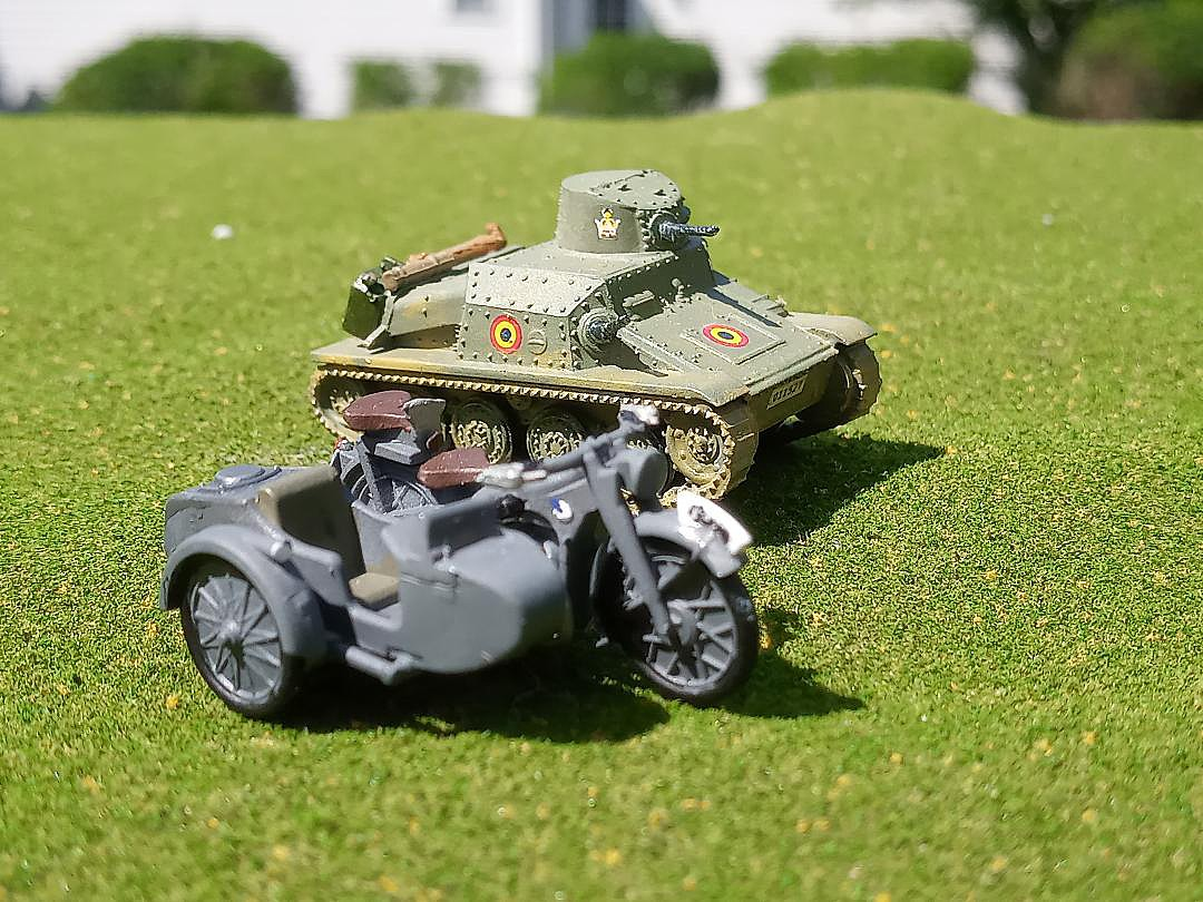 Zvezda 6142 German Motorcycle R-12 Plastic Toy Model Scale 1//72 for sale online