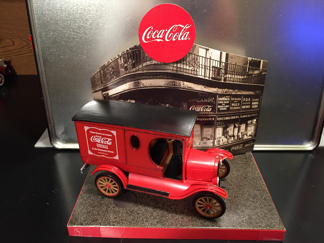 Skill 3 Model Kit 1923 Ford Model T Delivery Coca-Cola 1//25 Scale Model by AMT